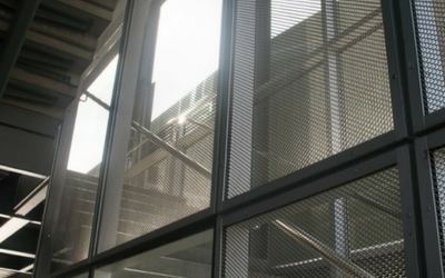 Safety mesh for apartment buildings