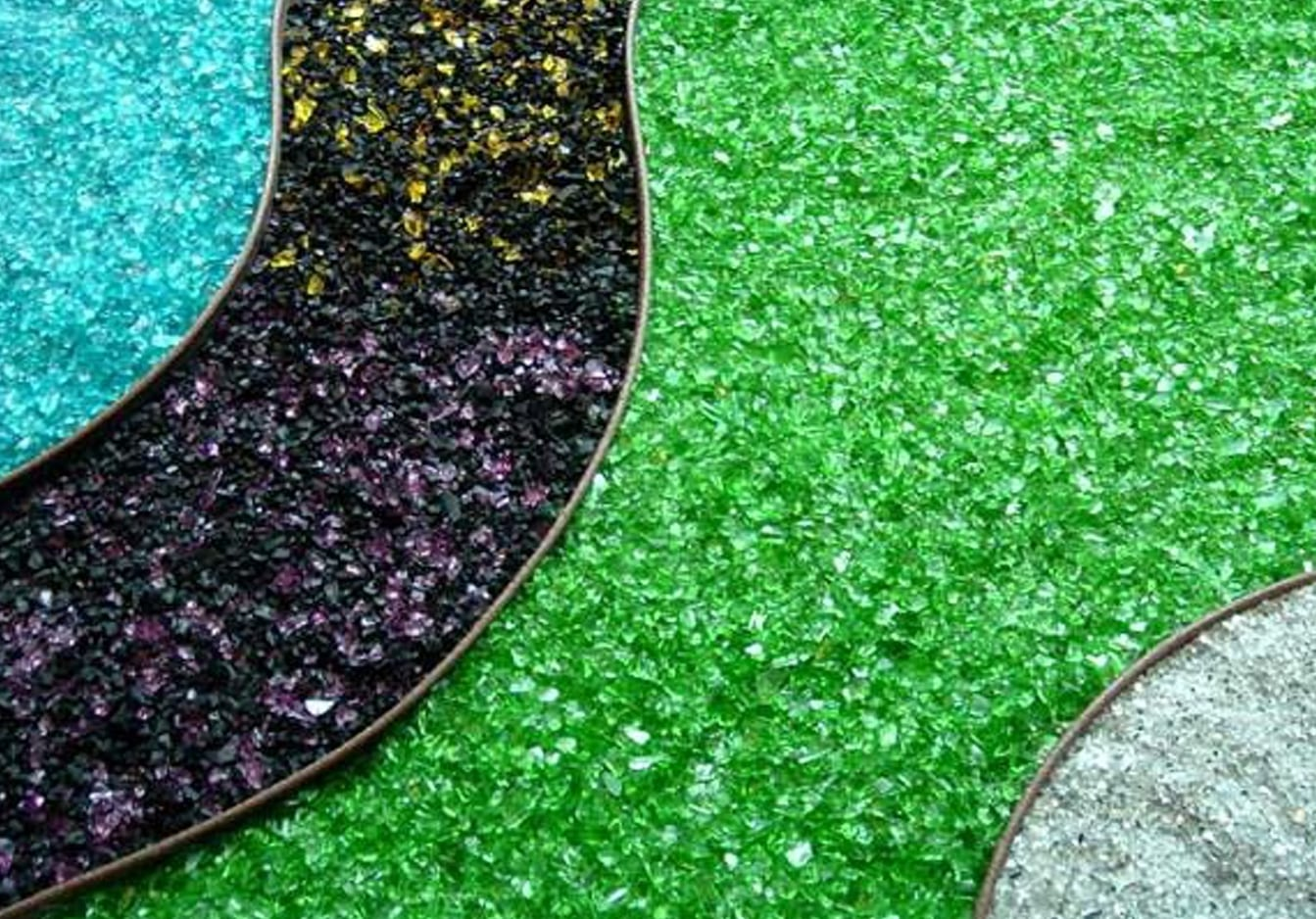 All About Landscape Glass