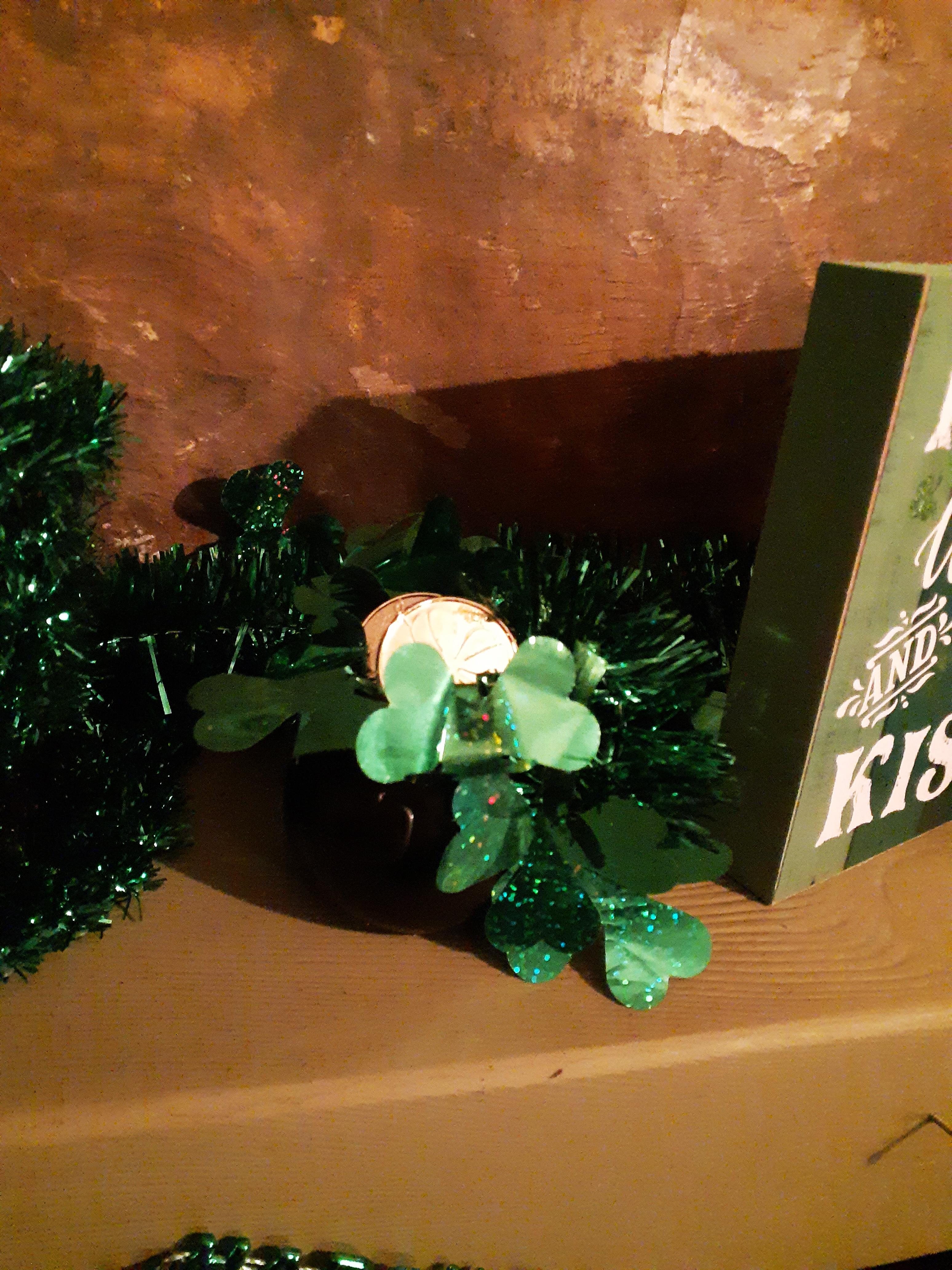 St. Patrick's Day pot of gold fireplace mantel decor