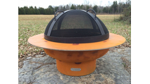 Saturn fire pit with spark guard