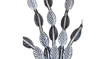 Details shown on the leaves of the fire tree burner