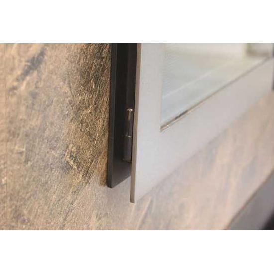 Saratoga Hidden Hinge Detail
