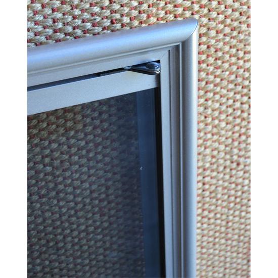 Shadow Top Corner Detail