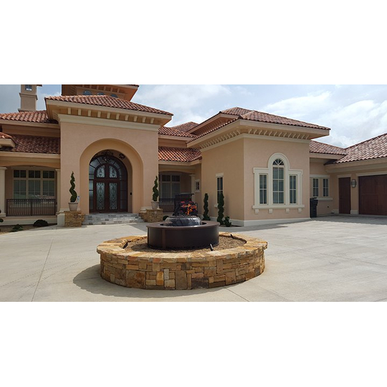Evolution 360° with custom surround outside a customer's home.